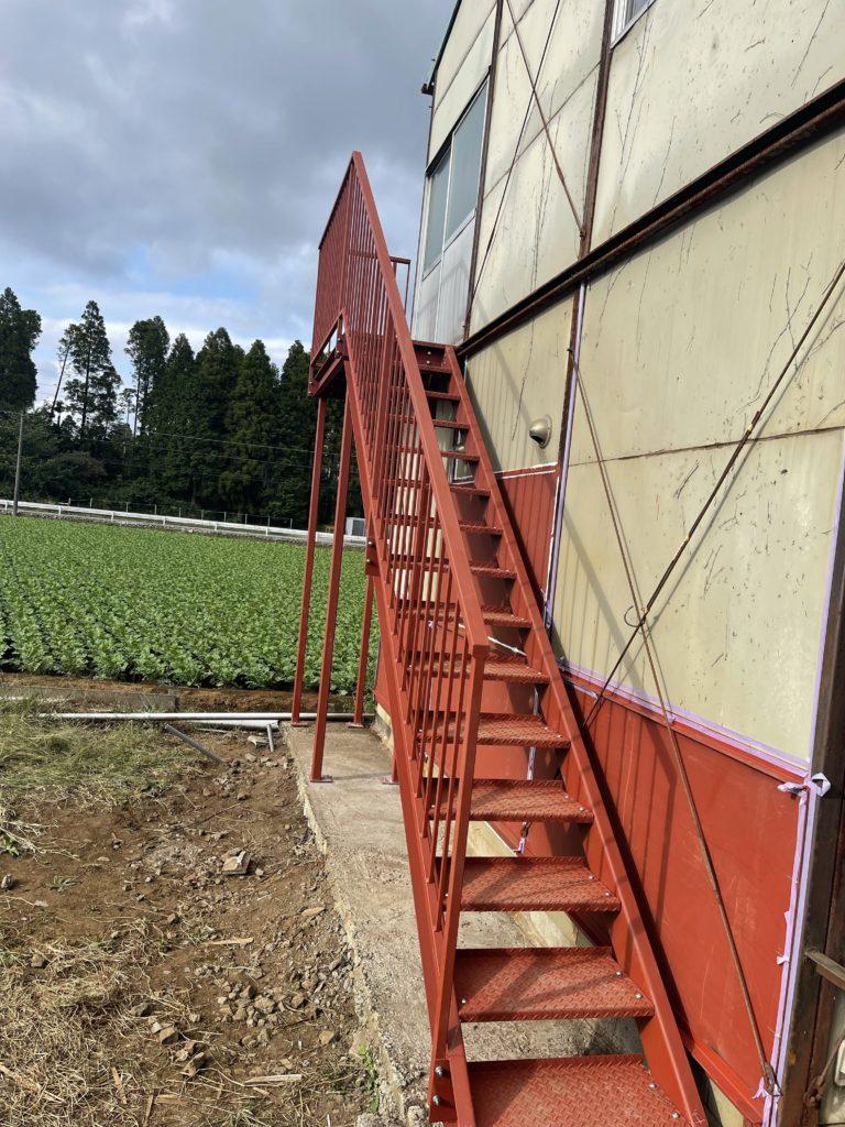 鉄骨階段設置完了!!